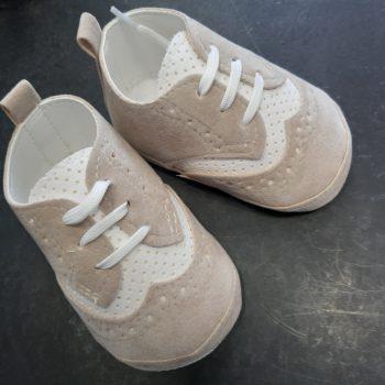 Cipelice za krštenje bež/bijele 6383